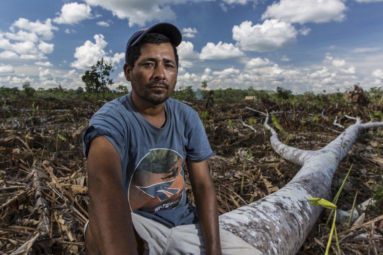 """""""¡Este territorio es nuestro!"""" Títulos de tierra para la comunidad indígena Santa Clara de Uchunya"""