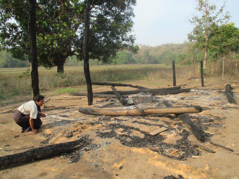 La construction d'une route entraîne une perte de terres et de moyens de subsistance dans une zone de conflit du Myanmar