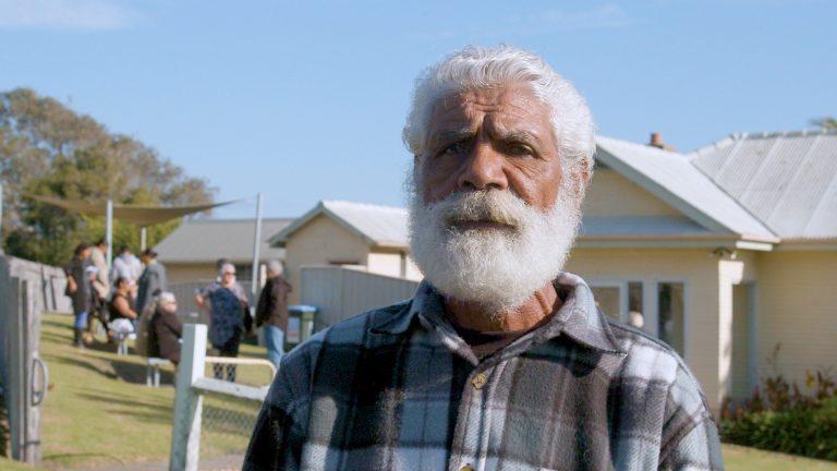 Bisabuelo aborigen enfrenta cárcel por pesca cultural